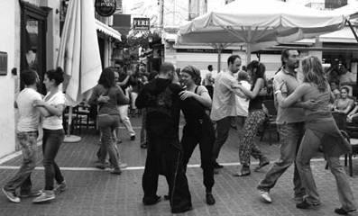 Tango Flash Mob – Χορευτική παρέμβαση από την ομάδα tango  του Πολιτιστικού Συλλόγου Ρεθύμνου