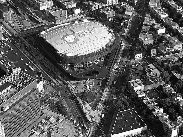 Άποψη του Barclays Center από τη γωνία των λεωφόρων Flatbush και Atlantic πηγή: newyork.cbslocal.com