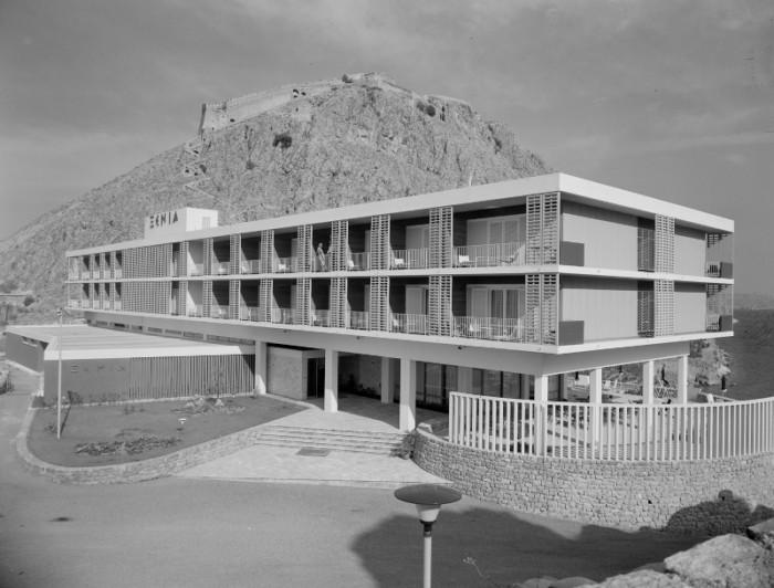 1960 1960 Ξενία Ακροναυπλίας | Ιωάννης Τριανταφυλλίδης Πηγή: Φωτογραφικά Αρχεία Μουσείου Μπενάκη