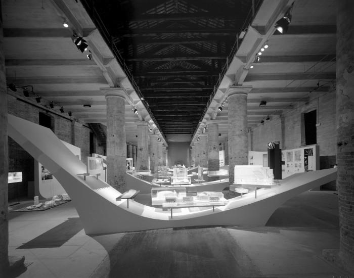 Το έργο των Asymptote (Hani Rashid + Lise Anne Couture) και Omnivore στο ιταλικό περίπτερο της 9ης Biennale Αρχιτεκτονικής, πηγή: digilander.libero.it