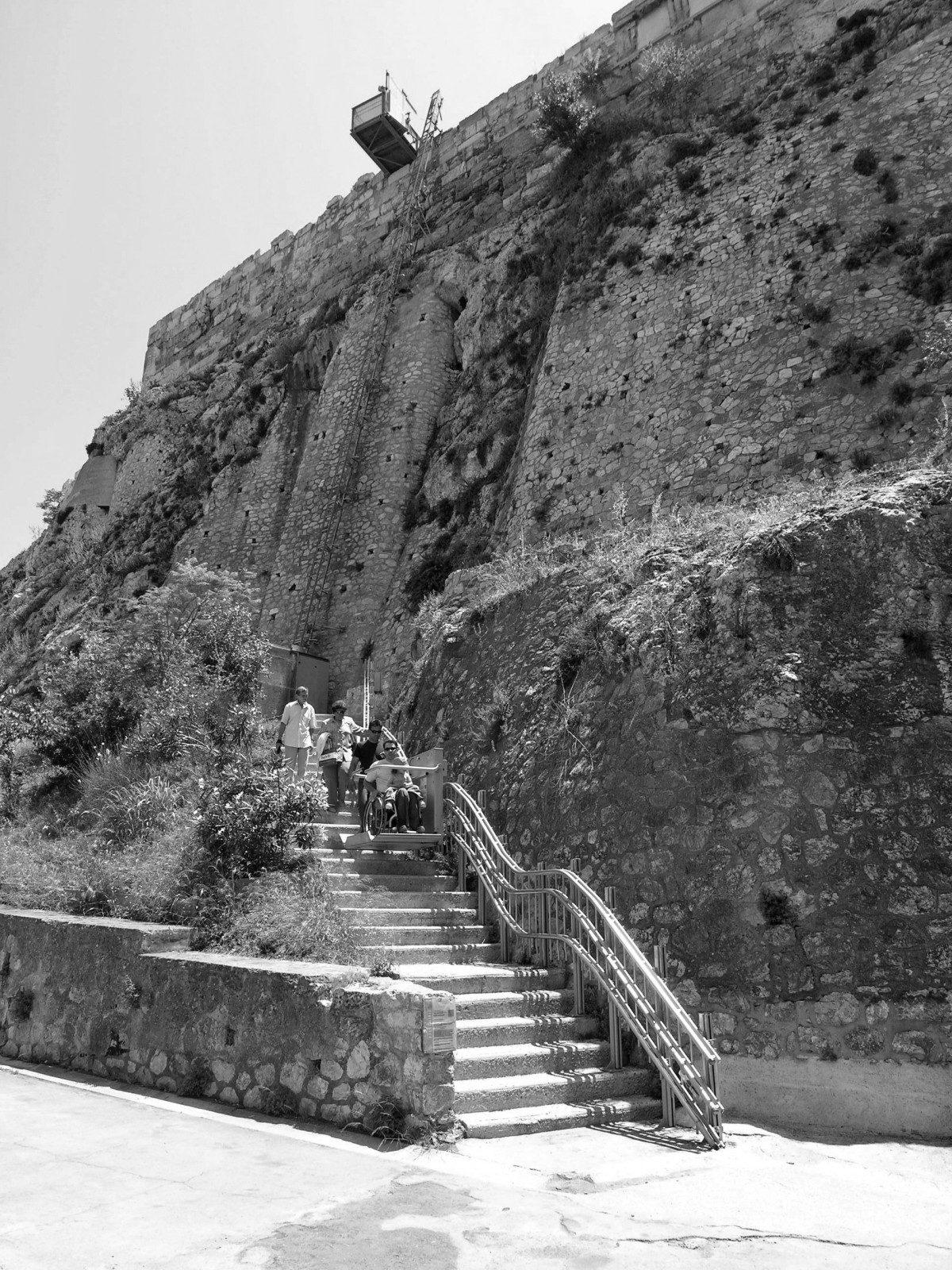 Η πρόσβαση και εξυπηρέτηση των ΑμεA σε μουσεία, πολιτιστικούς χώρους και μνημεία της Ελλάδας | «αρχιτέκτονες»